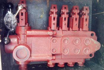 valve bank in Ingersoll Rand CM351 DTH pneumatic crawler rock drilling rig
