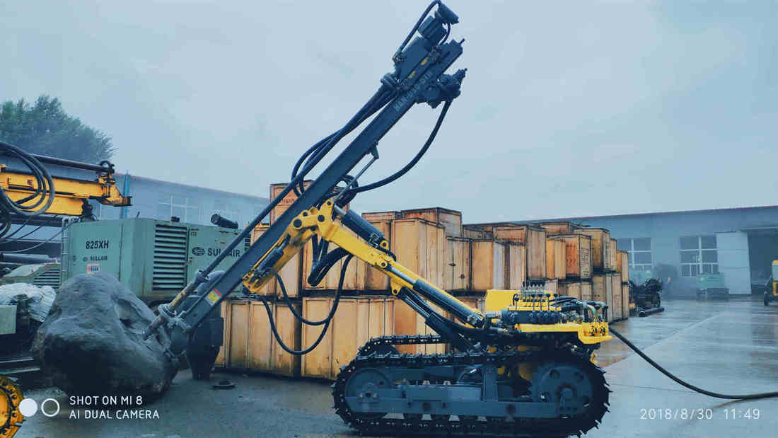 HAN-D50-DTH down the hole pneumatic crawler rock drilling rig with Ingersoll Rand CM351 technology